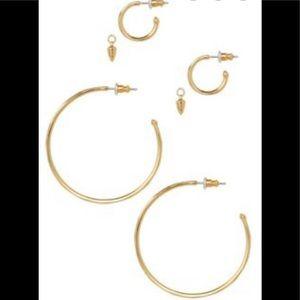 Stella & Dot- orbit hoops gold